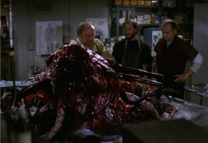 The-Thing-1982-Review-Netflix-Friday-Night-John-Carpenter-Kurt-Russell-560x386